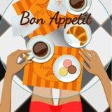 Mädchen und Kaffee, Draufsicht Stockbild
