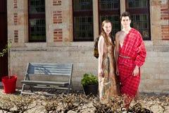 Mädchen und Mann in Maasai-Kleid Lizenzfreies Stockfoto