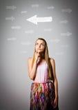 Mädchen und Pfeile Stockfotografie