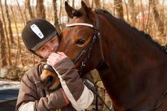 Mädchen und Pony stockbilder