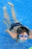 Mädchen Unterwasser Stockfotografie