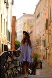Mädchen in Venedig Stockbilder