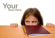 Mädchen versteckt sich Lizenzfreie Stockbilder