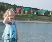 Mädchenabdeckstreifenhand Lizenzfreies Stockfoto