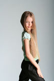 Mädchenbaumusterhaltungen Stockfoto