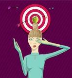 Mädchenespritapfel auf einem Kopf Lizenzfreie Stockfotos