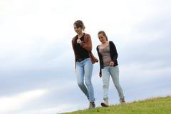 Mädchengehen Stockfotografie