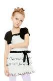 Mädchenhaltungen für die Kamera Lizenzfreie Stockbilder