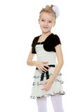 Mädchenhaltungen für die Kamera Stockfoto
