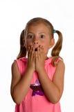 Mädchenholding sie überreicht ihren Mund Stockbilder