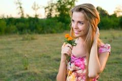 Mädchenlächeln Stockfoto