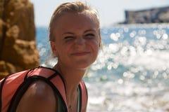 Mädchenlächeln glücklich Stockfoto