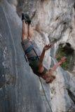 Mädchenlufttänzer, Bergsteiger stockfoto