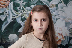Mädchenporträt mit 8-Jährigen im Studio Lizenzfreies Stockbild
