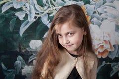 Mädchenporträt mit 8-Jährigen im Studio Lizenzfreie Stockfotografie