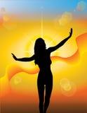 Mädchenschattenbild auf einem sonnigen Hintergrund Lizenzfreie Stockbilder