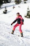 Mädchenskifahrer lizenzfreie stockbilder
