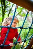 Mädchenspielplatz lizenzfreie stockfotografie