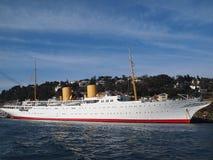 Mäktig privat yacht millivolt Savarona Royaltyfri Fotografi