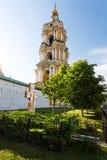 Mäktigt Novospassky klostertorn Royaltyfria Foton
