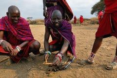 Män från Masaistammen Arkivfoton