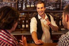 Män i bar Royaltyfri Fotografi