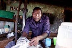 Män i Kotido Uganda royaltyfri foto