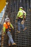 Männer bei der Arbeit im Brickell-Stadtzentrum Lizenzfreie Stockfotografie