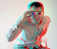 Männer in den Stereogläsern Lizenzfreies Stockfoto