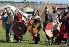 Männer in der Rüstung Wikinger Lizenzfreie Stockfotos