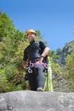 Männer, die Canyoning praticing sind Lizenzfreie Stockfotografie
