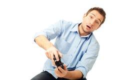 Männer, die Videospiele spielen stockbild