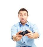 Männer, die Videospiele spielen stockfotos