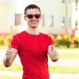 Männer, die Zeichen O.K. zeigen Lizenzfreies Stockbild