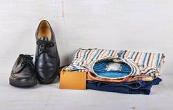 Männer Kleidung und Schuhe Lizenzfreie Stockfotografie