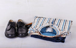 Männer Kleidung und Schuhe Stockbild