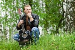 Männer mit Gitarre Lizenzfreie Stockfotos