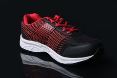 Männer ` s trägt Schuhe zur Schau Lizenzfreie Stockfotos