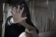 Männer sind zu den Frauen, der Endsexuelle missbrauch heftig und anti-handeln a lizenzfreie stockfotos