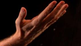 Männliche Hand in Wasser 2 stock video footage