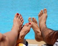 Männliche und weibliche Füße Lizenzfreie Stockbilder