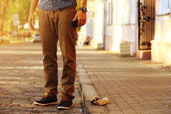 Männlicher Blick der Mode Detail von stilvollem hübschem der modischen Kleidung Lizenzfreies Stockfoto