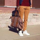Männlicher Blick der Mode Sonderkommando des stilvollen Mannes der modischen Kleidung Lizenzfreie Stockfotografie
