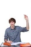 Student, der eine Frage stellt Lizenzfreie Stockfotos