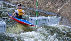 Männliches Kanu des Konkurrenten-66 Lizenzfreie Stockfotografie