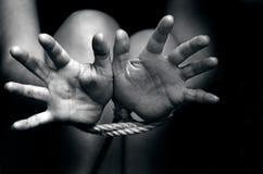 Mänsklig människohandel - begreppsfoto arkivfoton