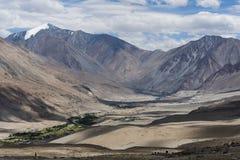 Mänskliga bosättningar i Ladakh, Indien, Asien Arkivbilder