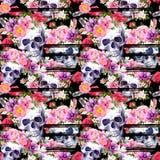 Mänskliga skallar, ljusa blommor Sömlös modell med svarta band vattenfärg royaltyfri illustrationer
