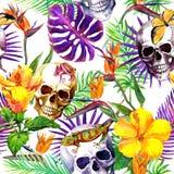 Mänskliga skallar, tropiska sidor, djungeldjur, exotiska blommor upprepa för modell vattenfärg stock illustrationer