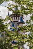 Märchen-Schloss hinter Bäumen öffentlich kultureller Park, Eskisehir Lizenzfreies Stockfoto